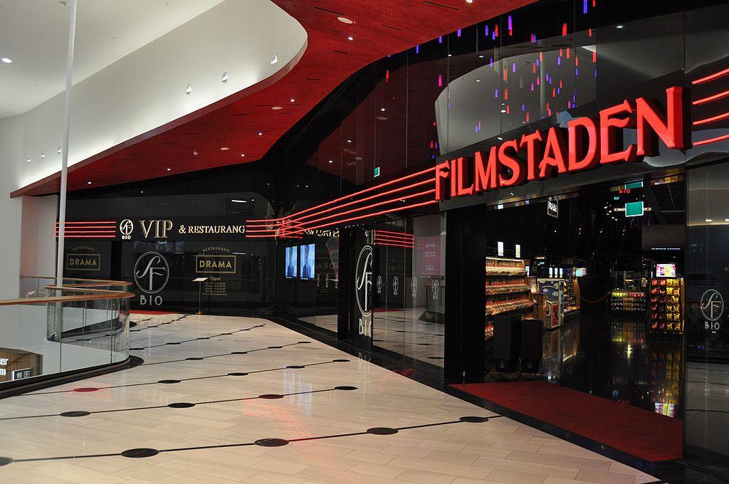 Bild på entren till Filmstaden i Mall of scandinavia